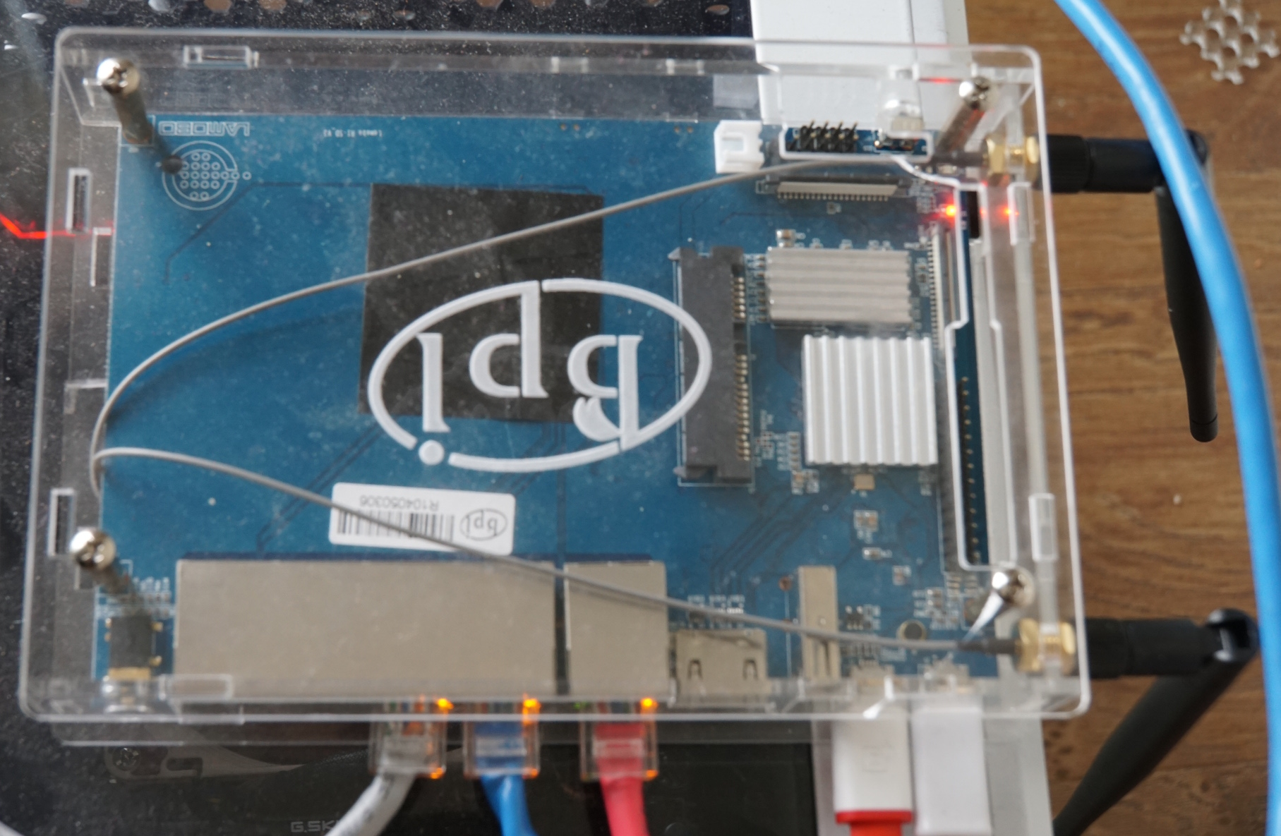 Banana Pi BPI-R1 with Enclosure